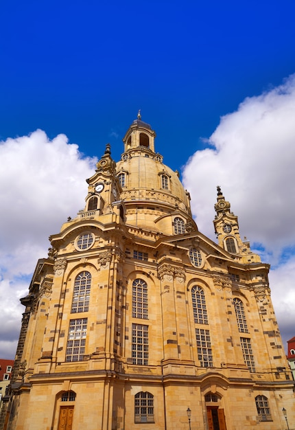 Igreja de frauenkirche de dresden na saxônia alemanha Foto Premium
