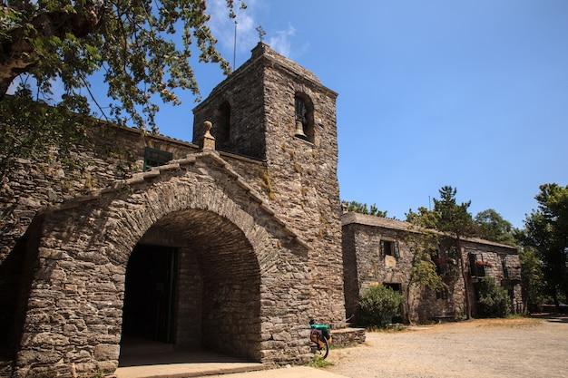 Igreja de santa maria, cebreiro Foto Premium