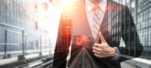 Imagem de dupla exposição da pessoa de negócios Foto Premium