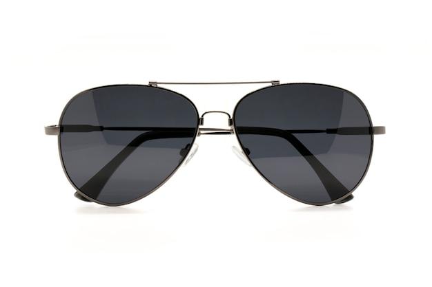 Imagem de óculos de sol na moda modernos, isolado no branco Foto Premium