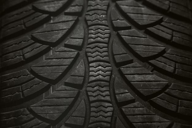 Imagem de um pneu preto Foto Premium