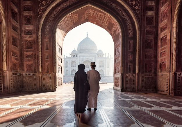 Índia. taj mahal indian palace. arquitetura islâmica. porta para a mesquita Foto Premium
