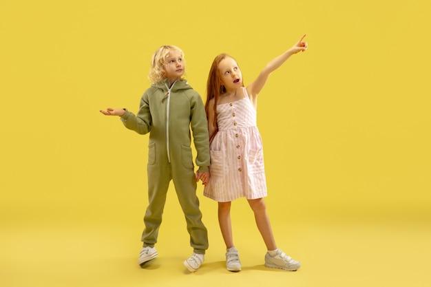 Infância e sonho com futuro grande e famoso Foto gratuita