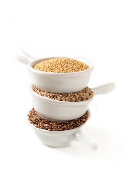 Ingredientes de alimentos saudáveis 3 tipos de grãos sem glúten flax Foto Premium