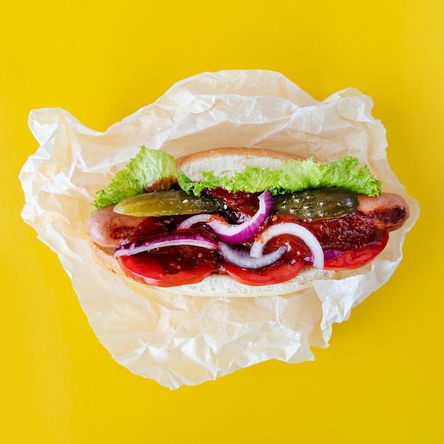 Ingredientes de hambúrguer de vista superior Foto gratuita