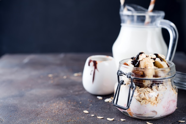 Ingredientes de pequeno-almoço saudável. Foto Premium