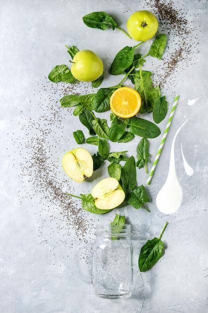 Ingredientes do smoothie verde Foto Premium