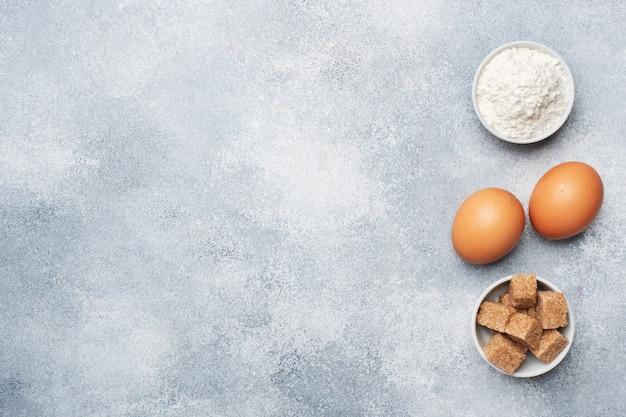 Ingredientes para assar biscoitos, cupcakes e bolo Foto Premium