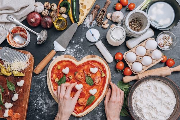 Ingredientes para pizza italiana clássica Foto Premium