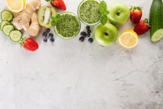Ingredientes verdes do smoothie Foto gratuita