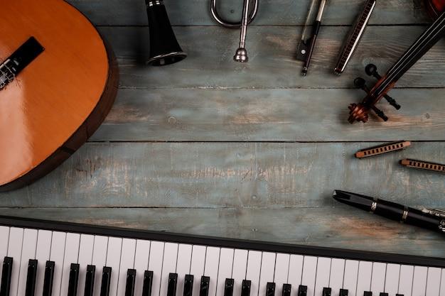 Instrumentos musicais em madeira Foto Premium