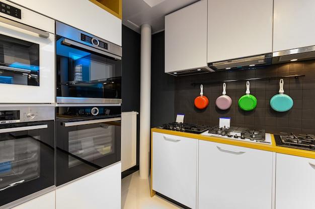 Interior da loja de eletrodomésticos premium Foto Premium