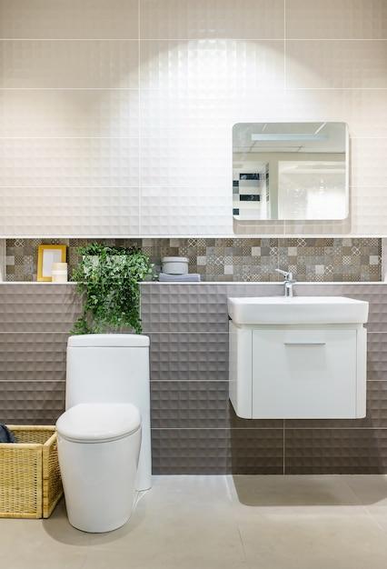 Interior de casa de banho moderna com moderna bacia de for Casa moderna gratis