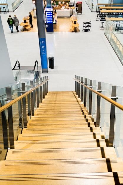 Interior do aeroporto de vanta Foto Premium