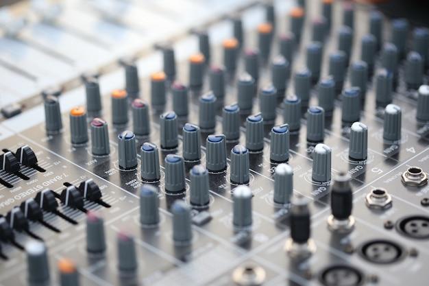 Interruptor, controlador de som, placa de mixer Foto Premium