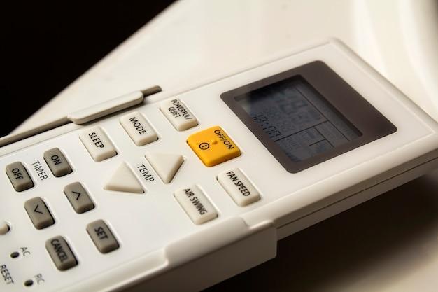 Interruptor do ar condicionado doméstico Foto Premium