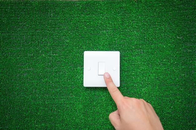 Interruptor elétrico para o conceito de energia verde Foto Premium