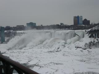 Inverno em niagara falls Foto gratuita