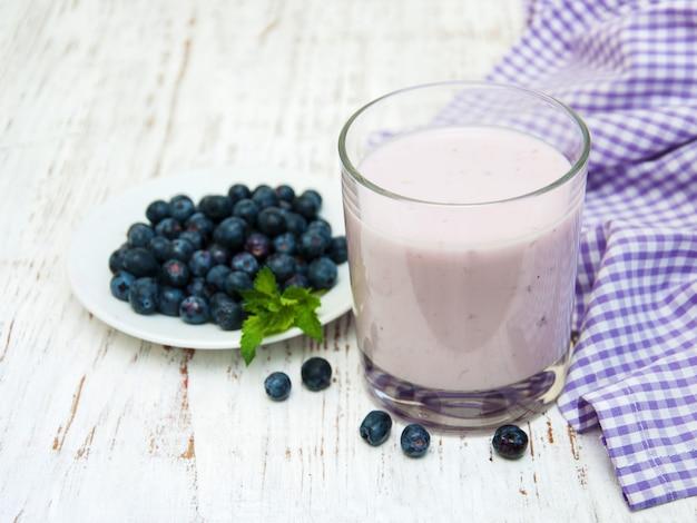 Iogurte de frutas frescas Foto Premium