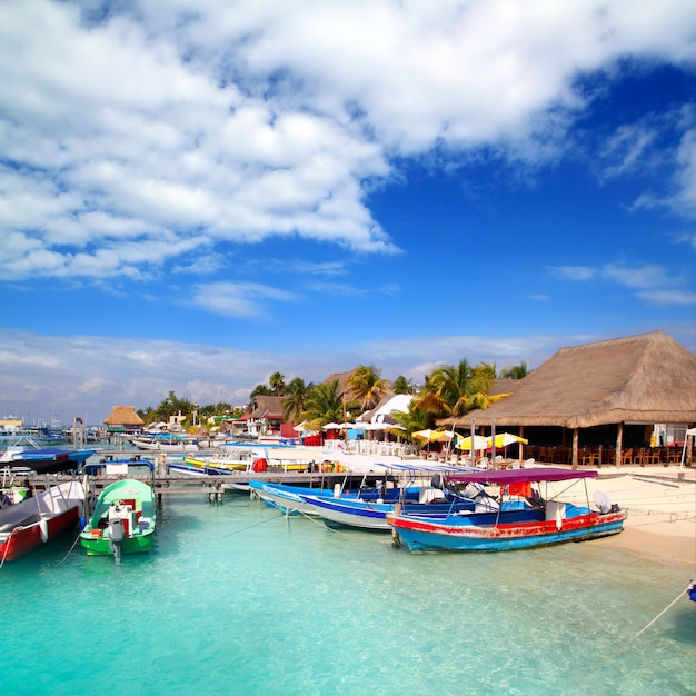 Isla mujeres, ilha, doca, porto, cais, coloridos, méxico Foto Premium