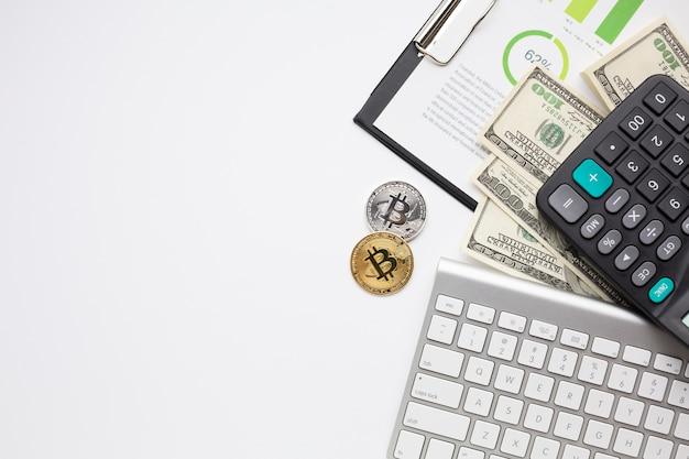 Itens financeiros com cópia-espaço Foto gratuita