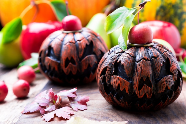 Jack-o-lanterna em madeira. outono. dia das bruxas. Foto Premium