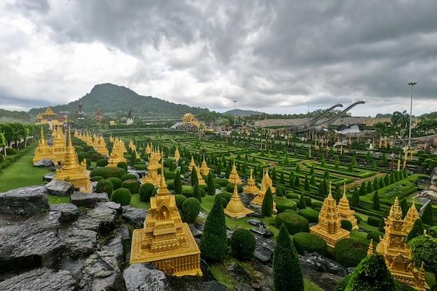 Jardim botânico tropical de nong nooch Foto Premium