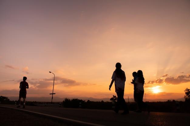 Jogger no por do sol Foto Premium