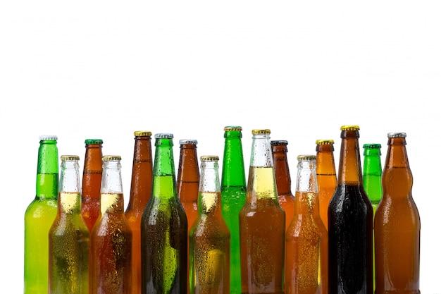 Jogo, de, garrafas cerveja, isolado Foto Premium