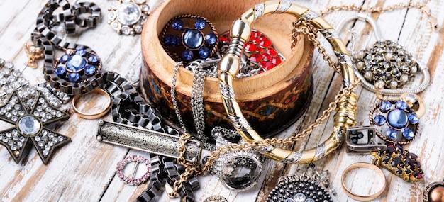 Jóias e bijuteria. Foto Premium