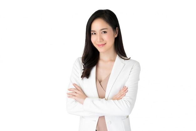 Jovem confiante linda mulher asiática em terno branco Foto Premium
