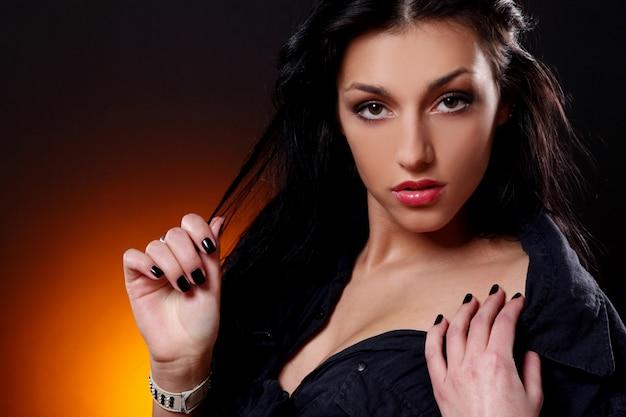 Jovem morena sexy mulher sexy Foto gratuita