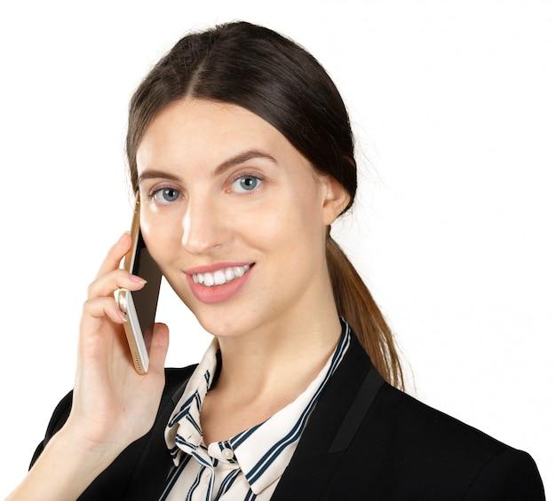 Jovem, mulher negócio, usando, smartphone, isolado Foto Premium