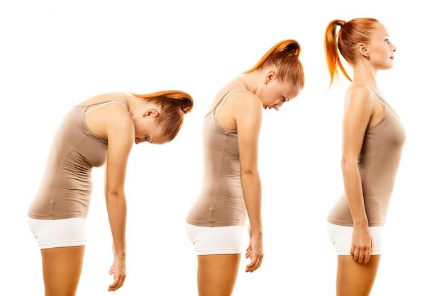 Jovem, mulher, praticar, ioga, espinha, rolo Foto gratuita