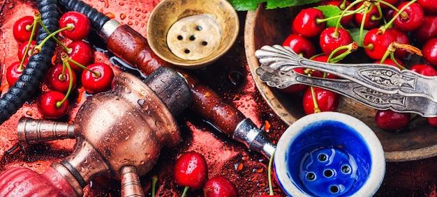 Kalian com sabor de tabaco de cereja Foto Premium