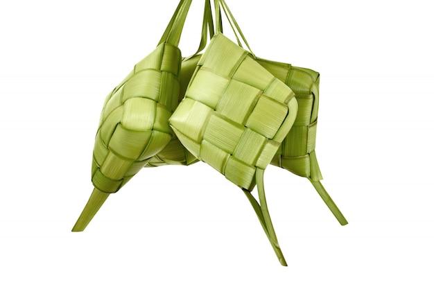 Ketupat é comida tradicional com padrão único Foto Premium