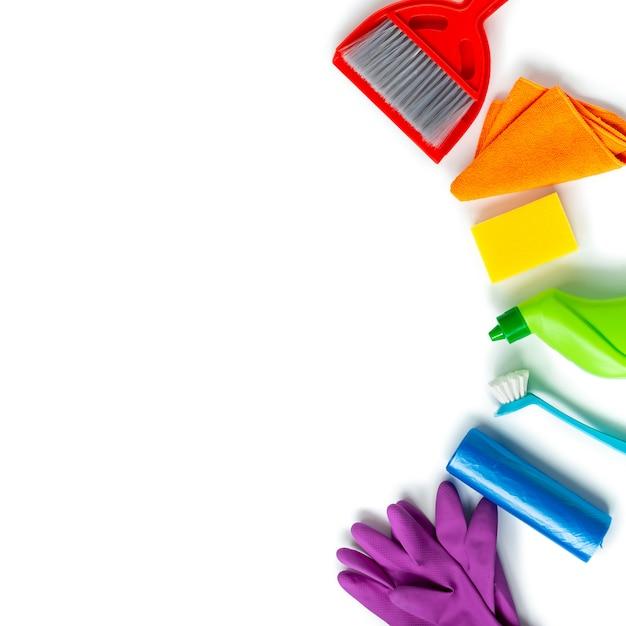 Kit multicolorido para limpeza de primavera brilhante em casa. Foto Premium