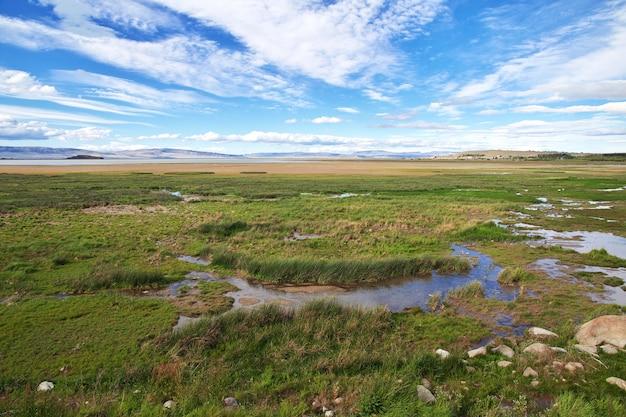 Lago argentino perto de el calafate na patagônia, argentina Foto Premium