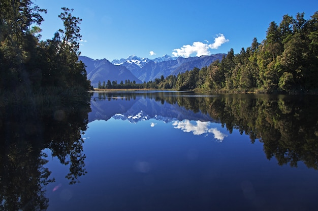 Lago mirror, ilha sul, nova zelândia Foto Premium