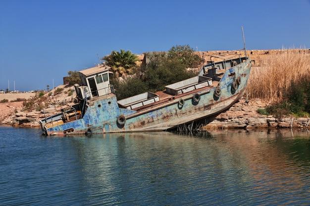 Lago nasser no egito, áfrica Foto Premium