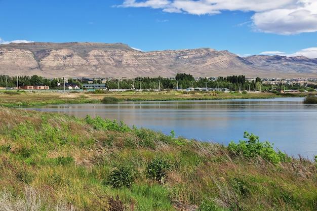 Laguna nimez reserva perto de el calafate na patagônia, argentina Foto Premium