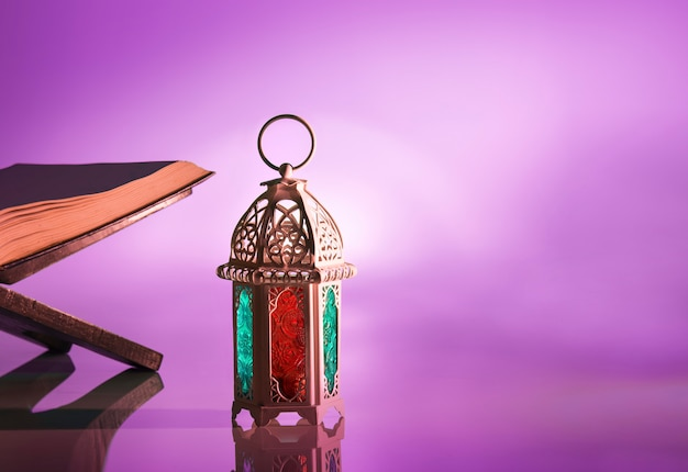 Lâmpada árabe com luz bonita Foto Premium
