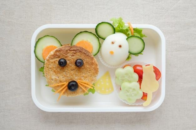 Lancheira de rato rato, divertido arte de comida para crianças Foto Premium