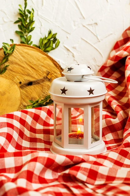 Lanterna branca decorativa de natal Foto Premium