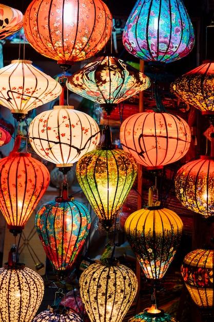 Lanterna do vietnã no mercado Foto gratuita