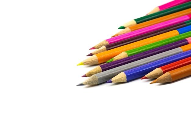 Lápis coloridos isolados no branco Foto Premium