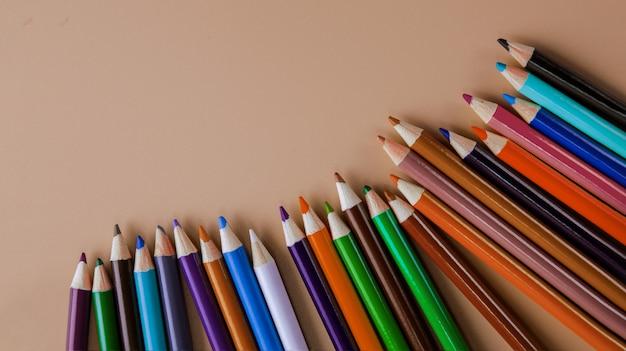 Lápis de cor rosa Foto Premium