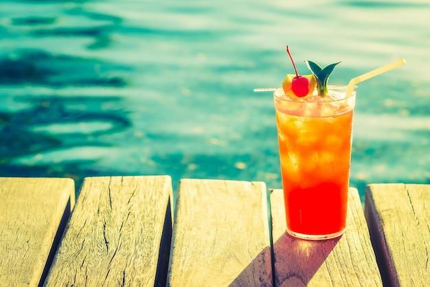 laranja vermelho do partido bebida praia Foto gratuita