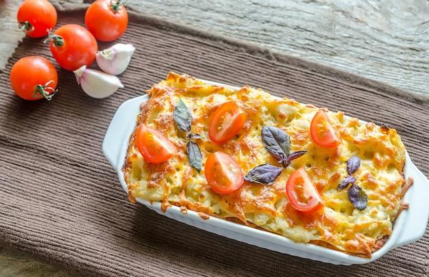 Lasanha com tomate cereja Foto Premium