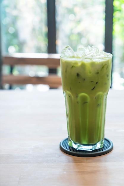 Latte de chá verde gelado Foto Premium